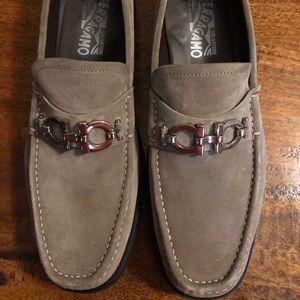 Ferragamo Grey Suede Shoes SZ 10 EE